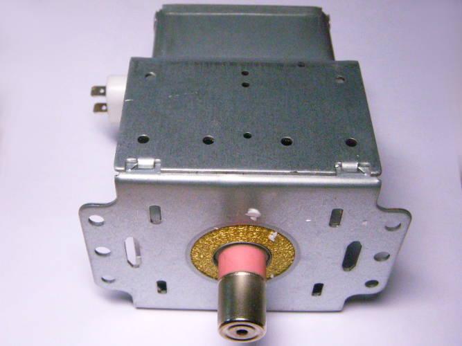 Магнетрон 2M214-06B PO1L-166458 для СВЧ-печи с подключением вдоль кронштейна
