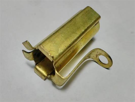 Щеткодержатель 16*19 h37 17*8 для цепной электропилы под щетку 8*17