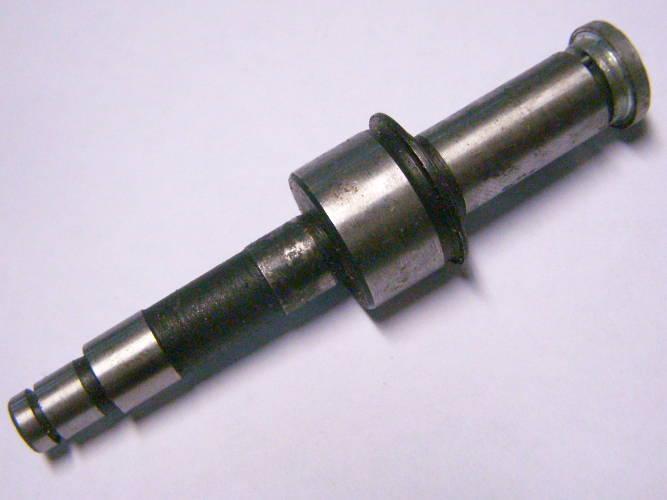 Вал цепной электропилы общей длиной 91 мм со спилами 10 мм