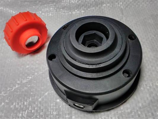 Косильная головка электротриммера на болту 8 мм с левой резьбой