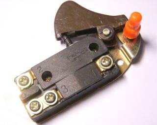 Все кнопки цепной электропилы