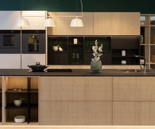 witte keuken met Fenix werkblad