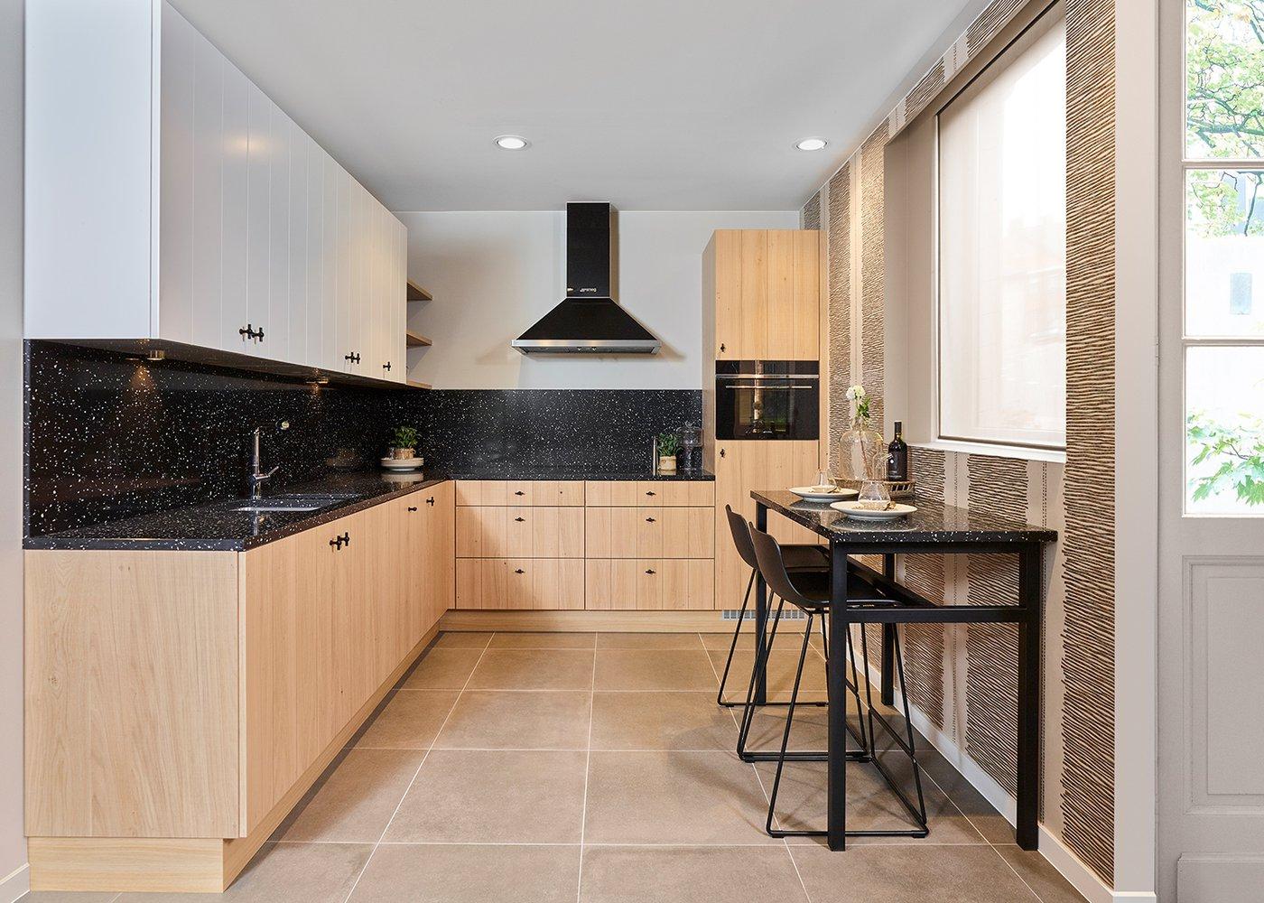 Landelijke keuken in fineer eik - Model Geneve