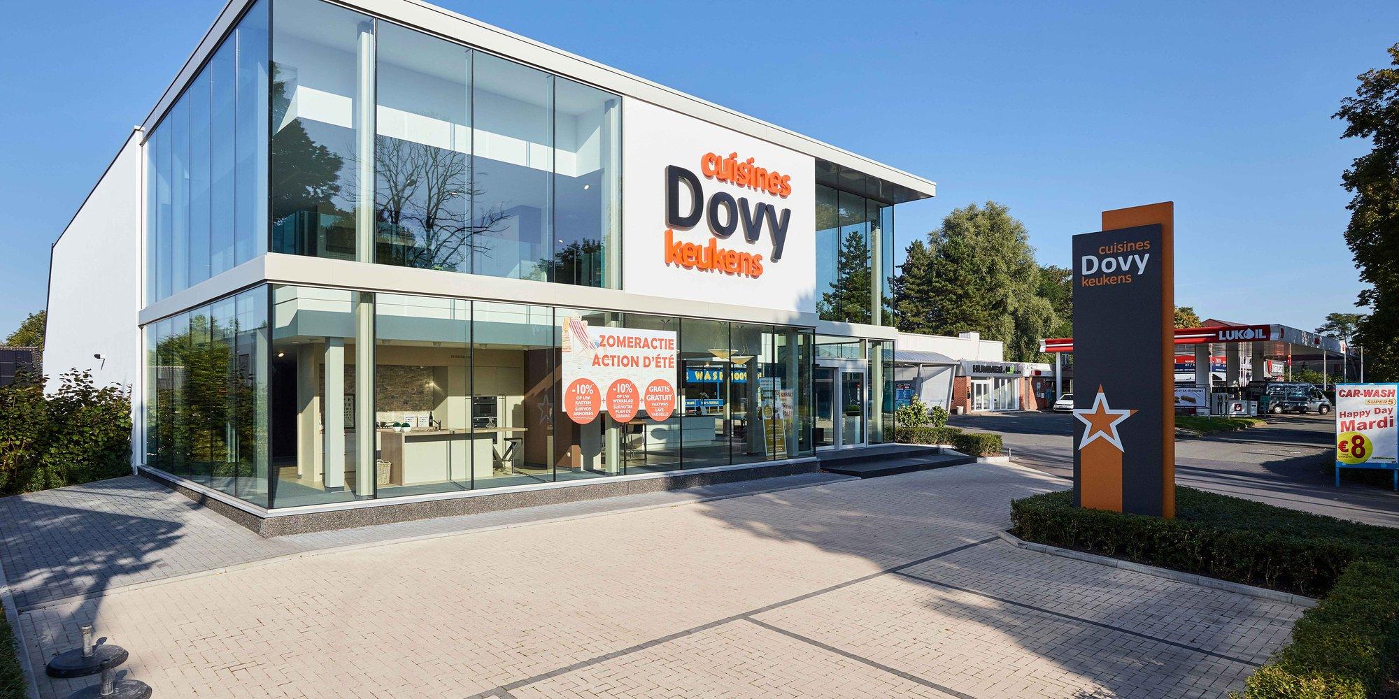 Dovy opent nieuwe toonzaal in Sint-Genesius-Rode
