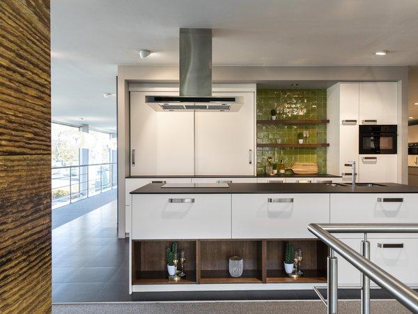 toonzaal witte keuken te koop oostakker
