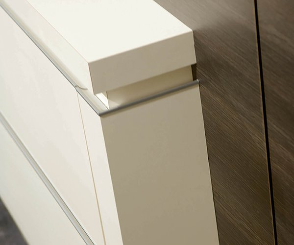 Moderne keuken in houtstructuur - Model Alupro - Aluminium profiel