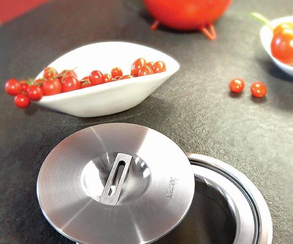 Cuisine moderne blanche avec façades en verre laqué - Modèle Sirius - Collecteur de déchets