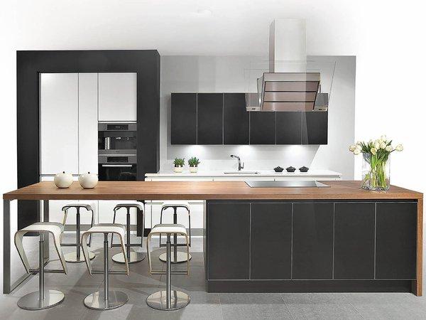 Cuisine moderne en verre laqué noir - Modèle Sirius
