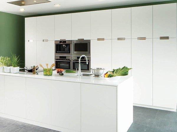 Witte moderne keuken - Model Genval Tipon