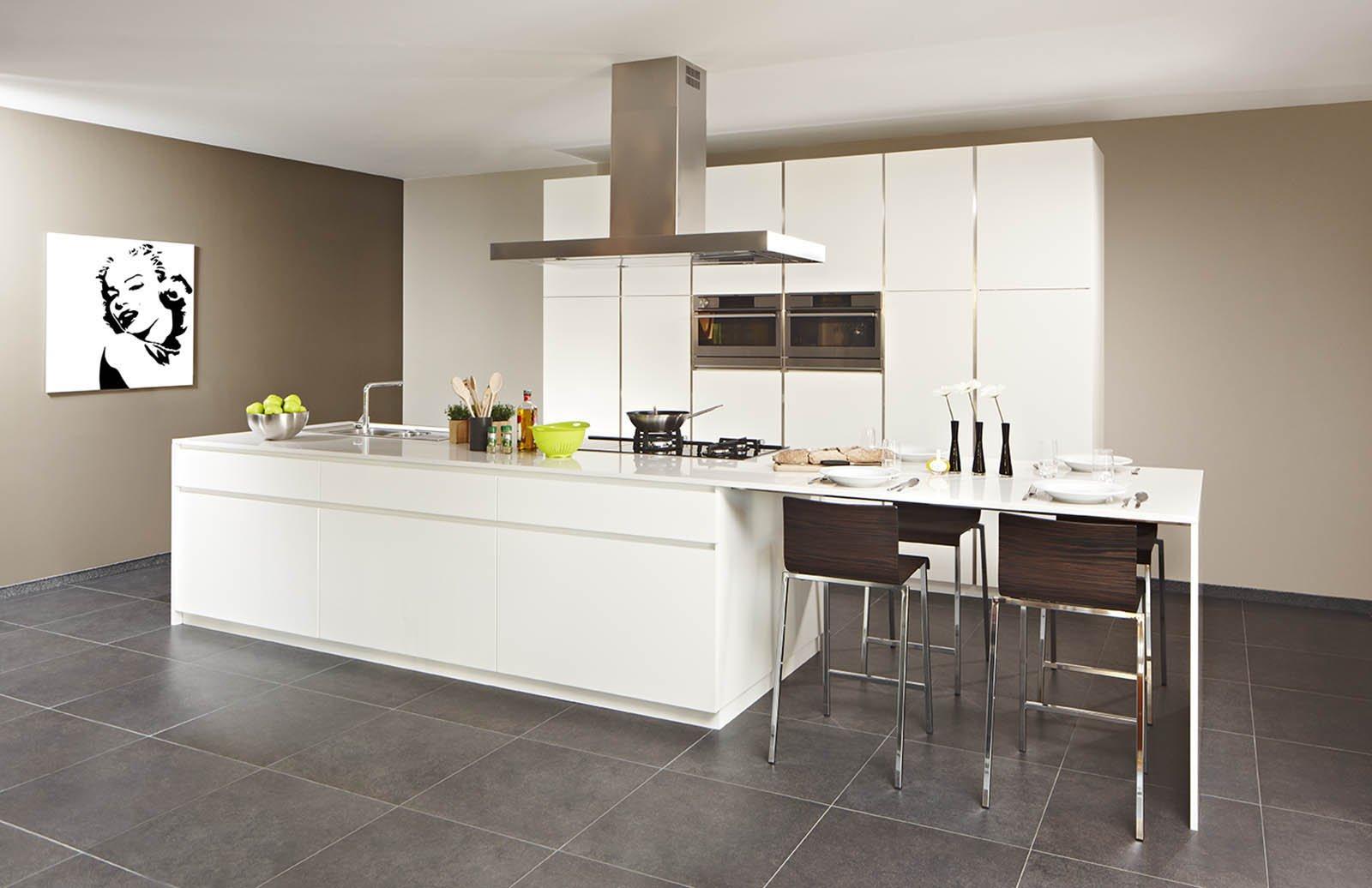Witte moderne keuken met eiland - Model Design