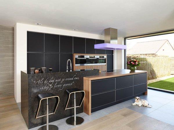 Cuisine moderne noire en verre - Modèle Sirius