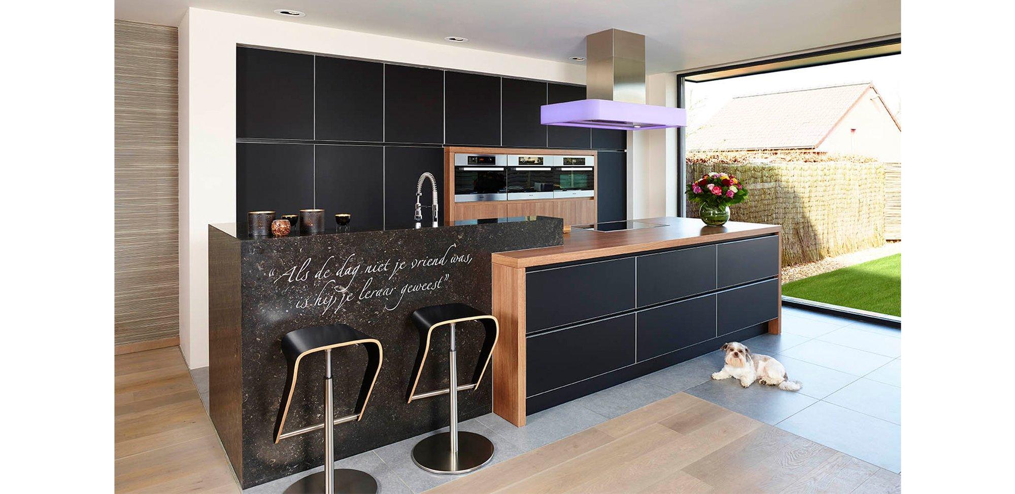 Moderne zwarte keuken in glas - Model Sirius