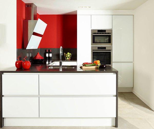 Moderne compacte keuken in gelakt glas - Model Sirius