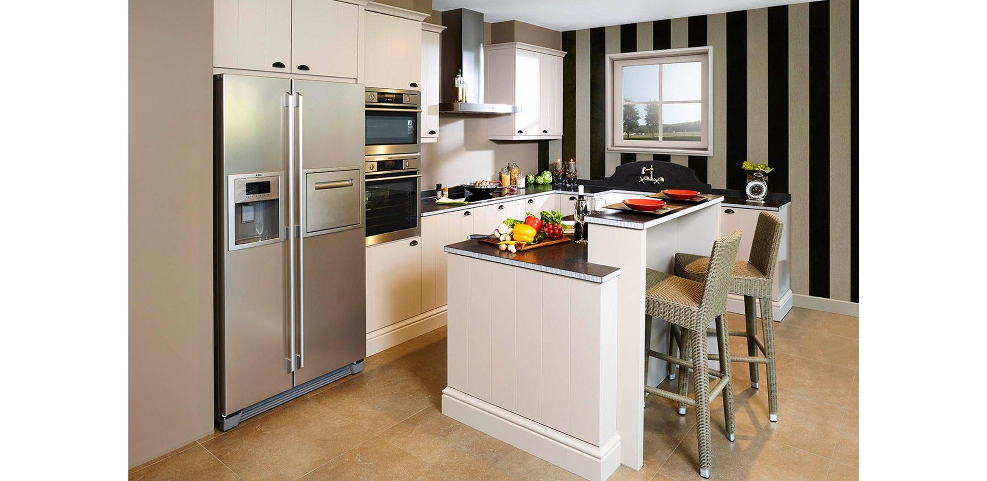 Landelijke zandkleurige keuken - Model Geneve