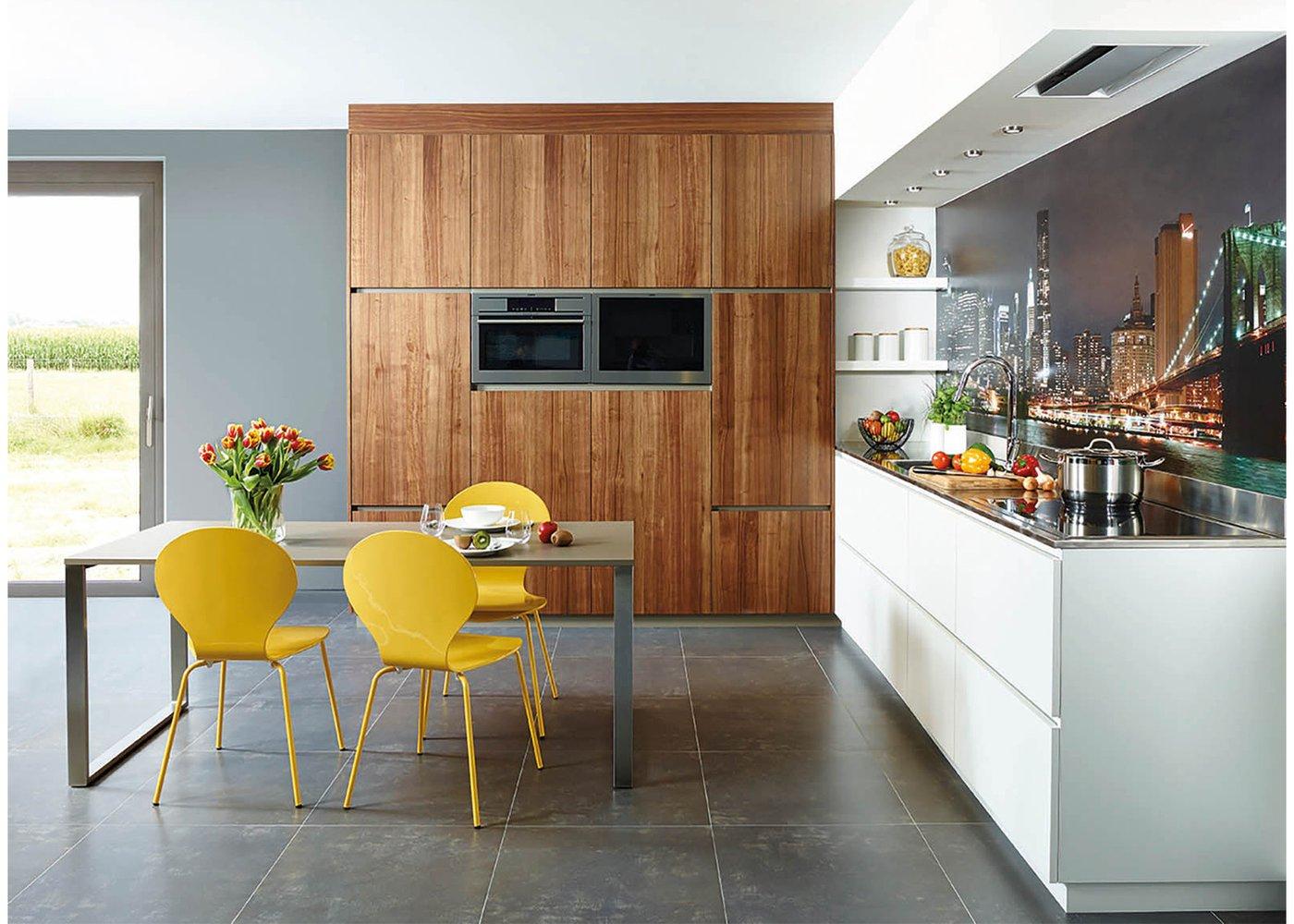 Keuken in fineer gebeitste notelaar / laminaat - Model Design