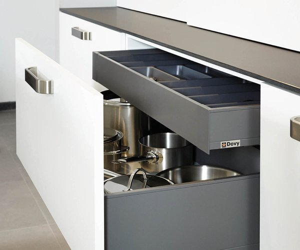 Cuisine moderne blanche en stratifié plein front - Modèle Toronto - Tiroirs à casseroles avec tiroirs intérieurs