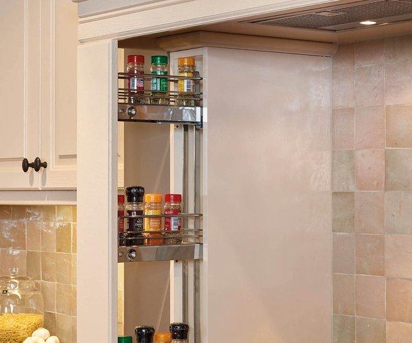 Landelijke keuken met kroonlijst - Model Cottage - Ingebouwde kruidenrekjes