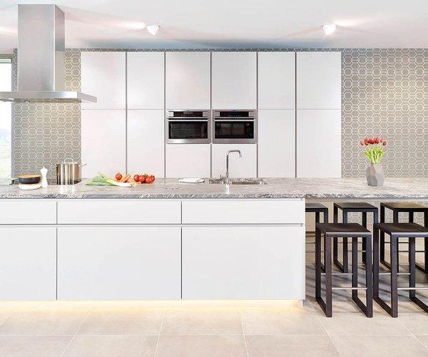 Cuisine moderne avec vaste espace de rangement - Modèle Design