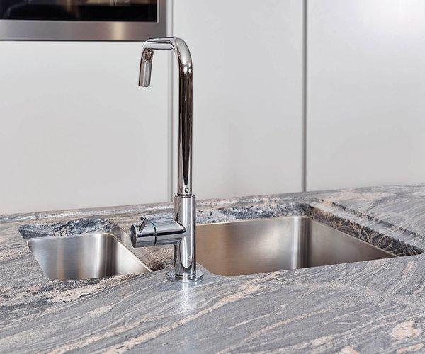 Moderne keuken met veel opbergruimte - Model Design - Ingewerkte spoelbakken