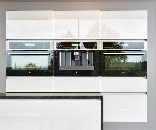 Strakke moderne keuken - Model Sirius - Glanzende keukenkasten