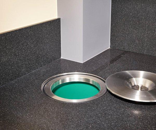 Strakke moderne keuken - Model Sirius - Geïntegreerd afvalsysteem