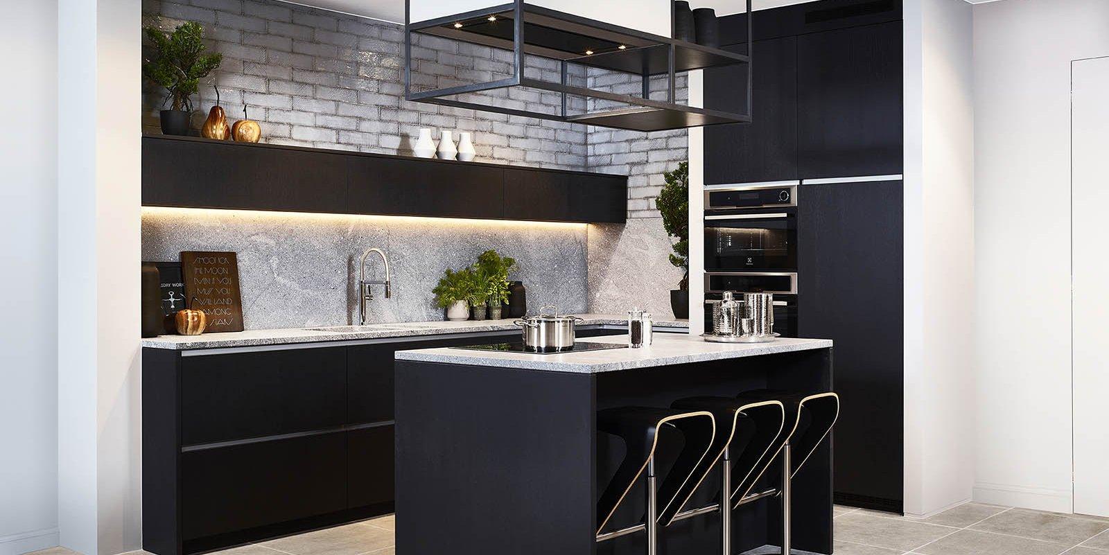 Zwarte keukens zijn dé trend van 2018