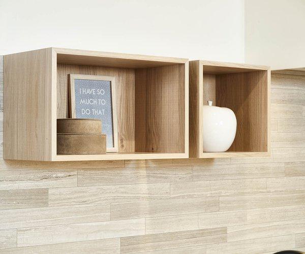 Moderne keuken met wand in fineer eik - Model Design - Toffe hangkastjes