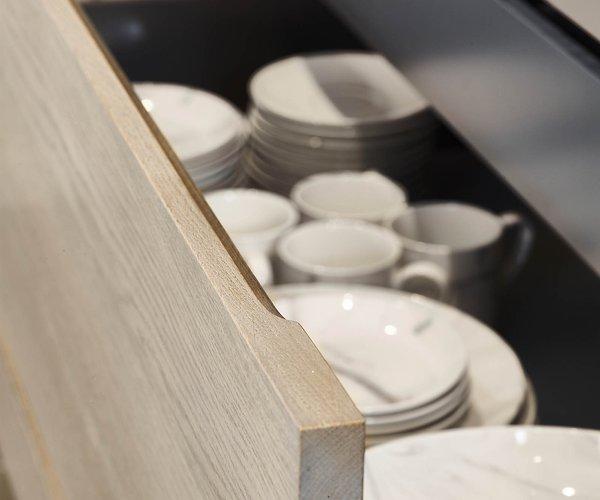 Rustieke keuken in eik - Model New York - Volledig uittrekbare laden