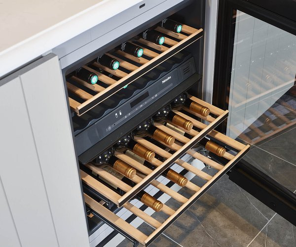 Landelijke keuken in modern jasje - Model Vetaro 10 - Ingebouwde wijnkoeler