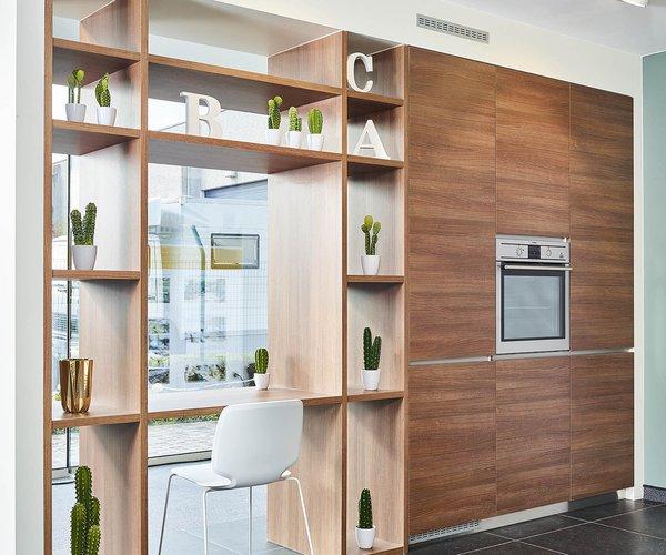 Roodbruine keuken in laminaat - Model Design - Room divider