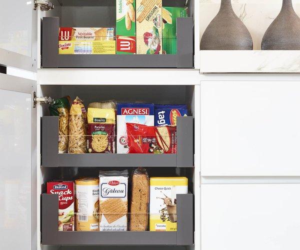 Moderne witte keuken in gelakt glas - Model Sirius - Vernuftig opbergsysteem