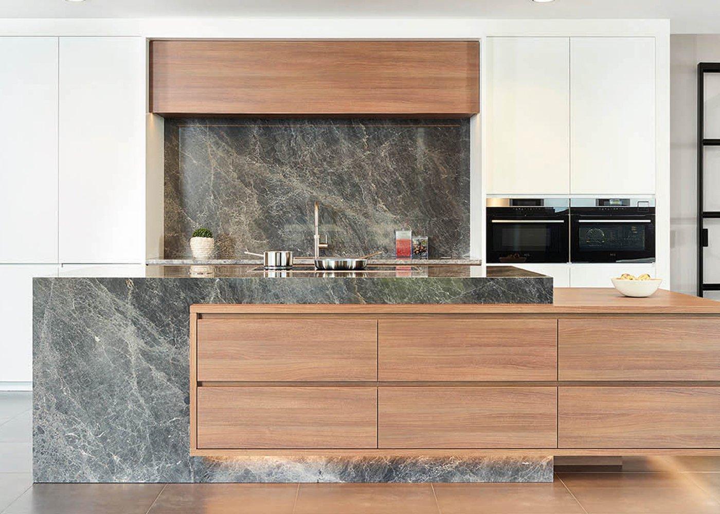 Keuken in roodbruin frontlaminaat - Model Design