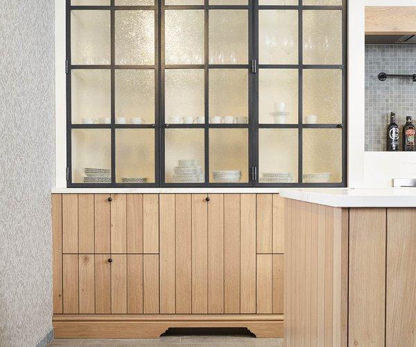 Keuken in fineer eik - Model Provence 10 - Opzetkast in smeedijzer