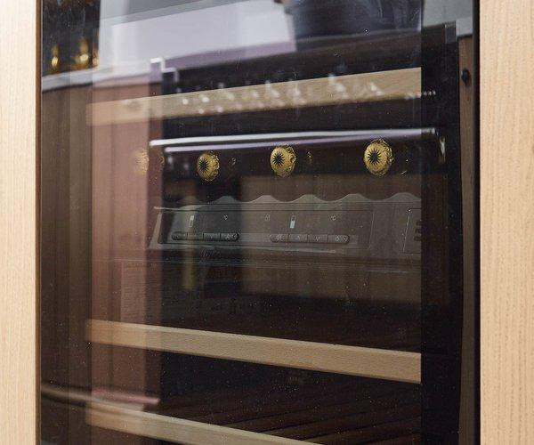 Cuisine en chêne planché - Modèle Provence 10 - Cave à vin integrée