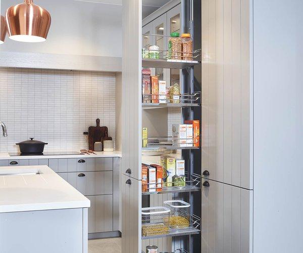Cuisine rustique avec une touche moderne - Modèle Provence 10 - Ingénieuse armoire à pharmacie