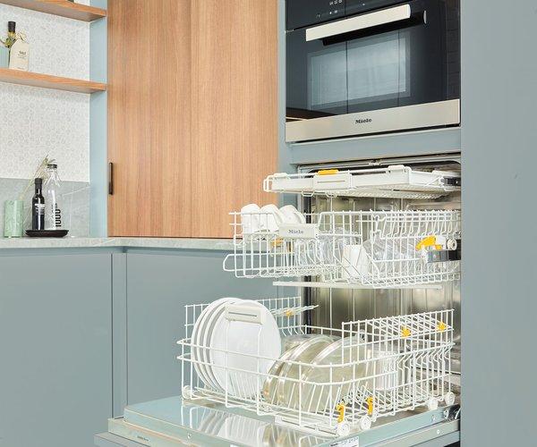 Groene vintage keuken - Model Design - Vaatwas op werkhoogte