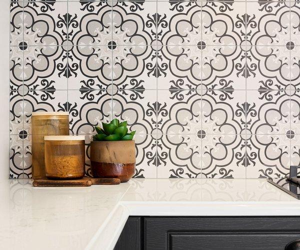 Cuisine rustique anthracite - Modèle Cottage - Plan de travail brillant
