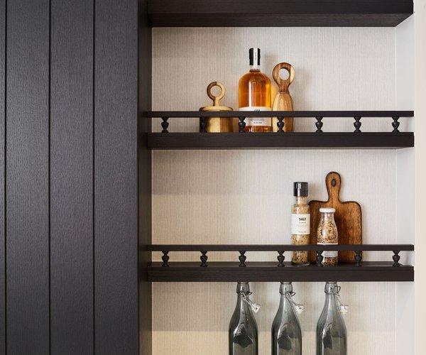 Landelijke keuken antraciet - Model Cottage - Handige rekjes