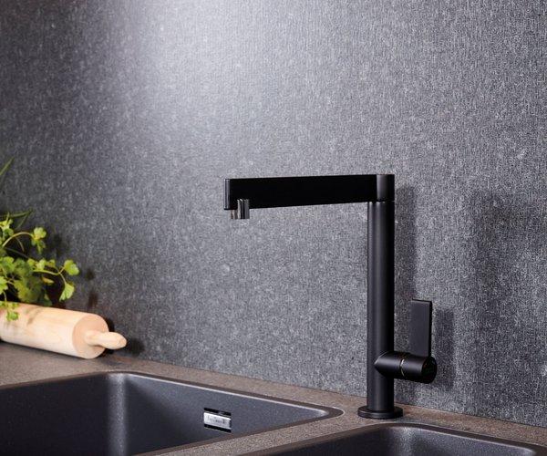 Moderne zwarte keuken zonder grepen - Model Design - Zwarte kraan en spoelbak