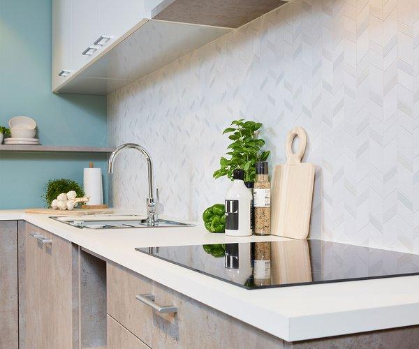 Moderne keuken in betonlook - Model Toronto - Combinatie van wit met ruwe beton
