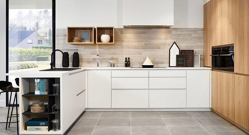 Keukentrends 2020 - Scarved Oak - Wit in combinatie met hout