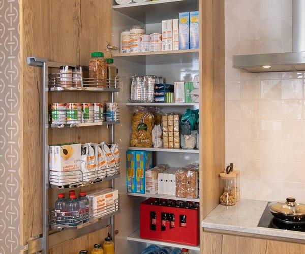 Nouveau chez Cuisines Dovy armoire à provisions Tandemside