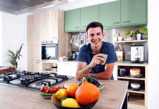 Loïc Van Impe houdt van koken in zijn nieuwe Dovy Keuken