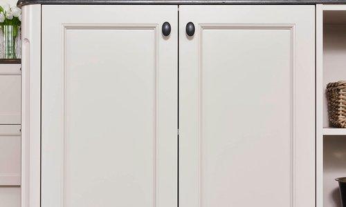 Portes d'armoire en MDF laqué