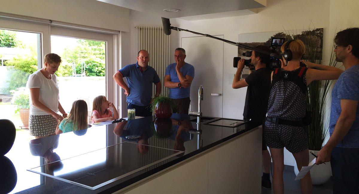 Reportage télé avec des clients Dovy dans le rôle principal