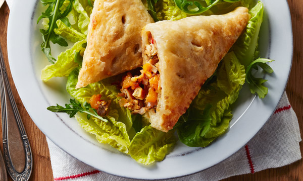 600x360_Recipe_Smoked_Chicken_Salsa_Empanadas.jpg