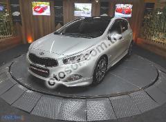 Kia Ceed 1.6 Crdi Premium 128HP