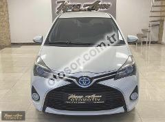 Toyota Yaris 1.5 Hybrid Spirit Multidrive S 75HP