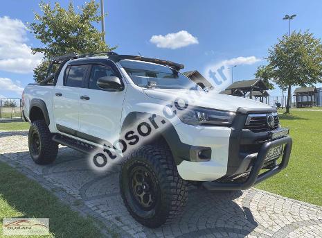 Toyota Hi-Lux 2.4 D-4D 4x4 Invincible 150HP