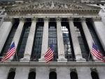 Les actions américaines glissent alors que le marché attend des données clés, les bénéfices